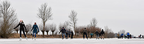 Nederland schaatst massaal op alle soorten ijs