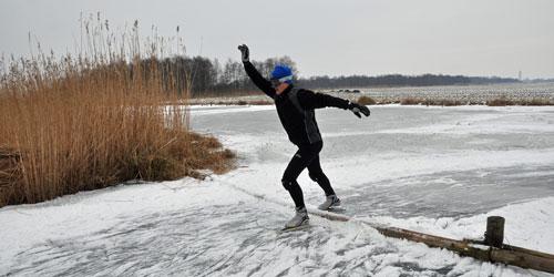 Natuurijs obstakels: balk in het ijs