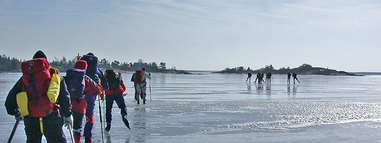 natuurijszweden avontuurlijk schaatsen toertochten in Zweden op natuurijs