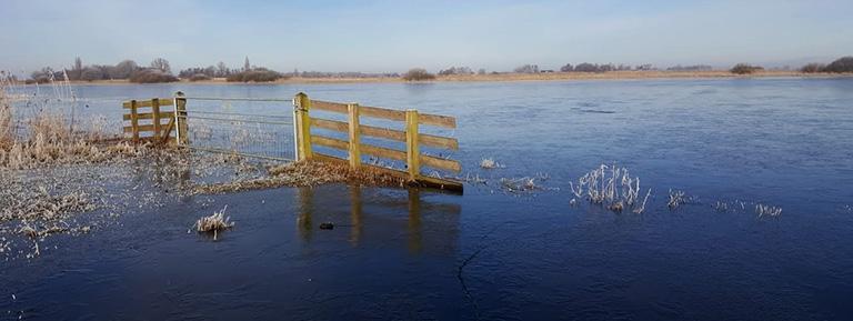 ondiep water schaatsen Friesland